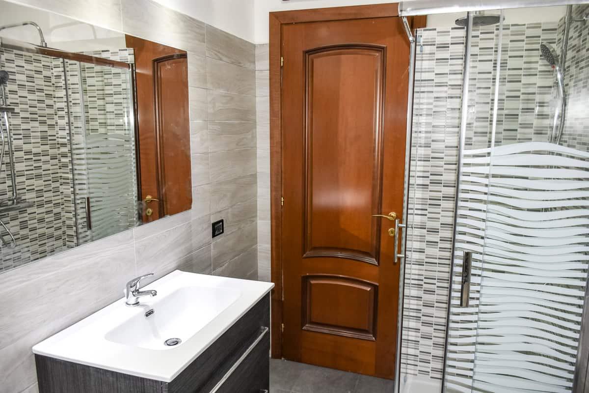 Offerta ristrutturazione bagno roma 2700 u20ac casahelp ristrutturazioni