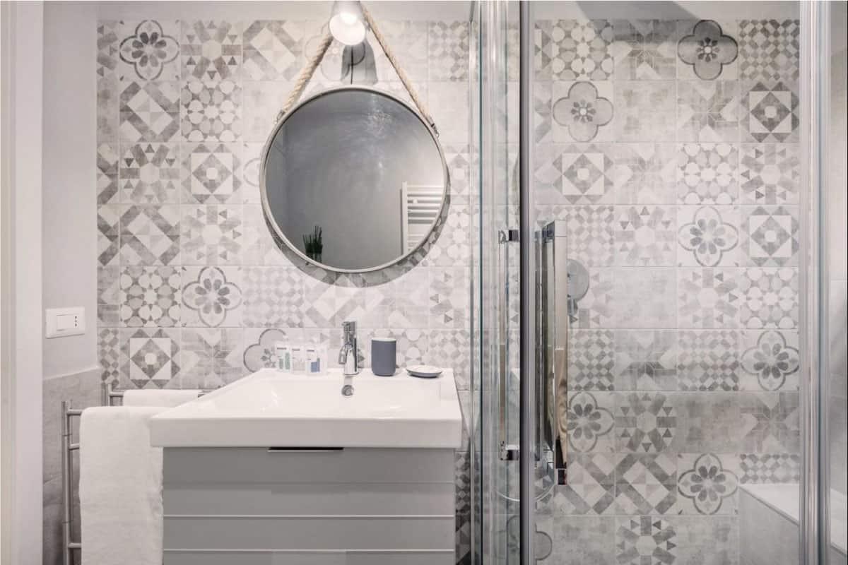 bagno doccia lavandino appartamento Valmontone roma