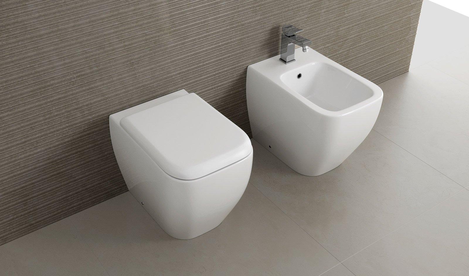 Sanitari filoparete ceramica per arredo bagno moderno wc bidet e copriwc